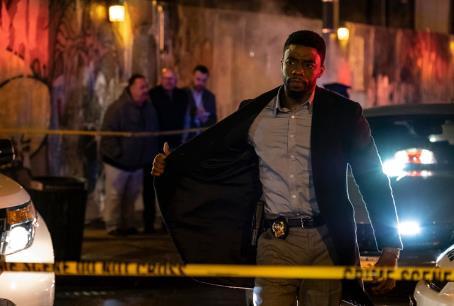 Chadwick Boseman als Polizist in New York, auf der Jagd nach Polizistenmördern