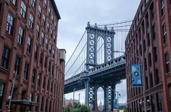Eine der 21 Brücken: Die berühmte Manhatten Bridge ist in zahlreichen Filmen als Kulisse zu sehen.