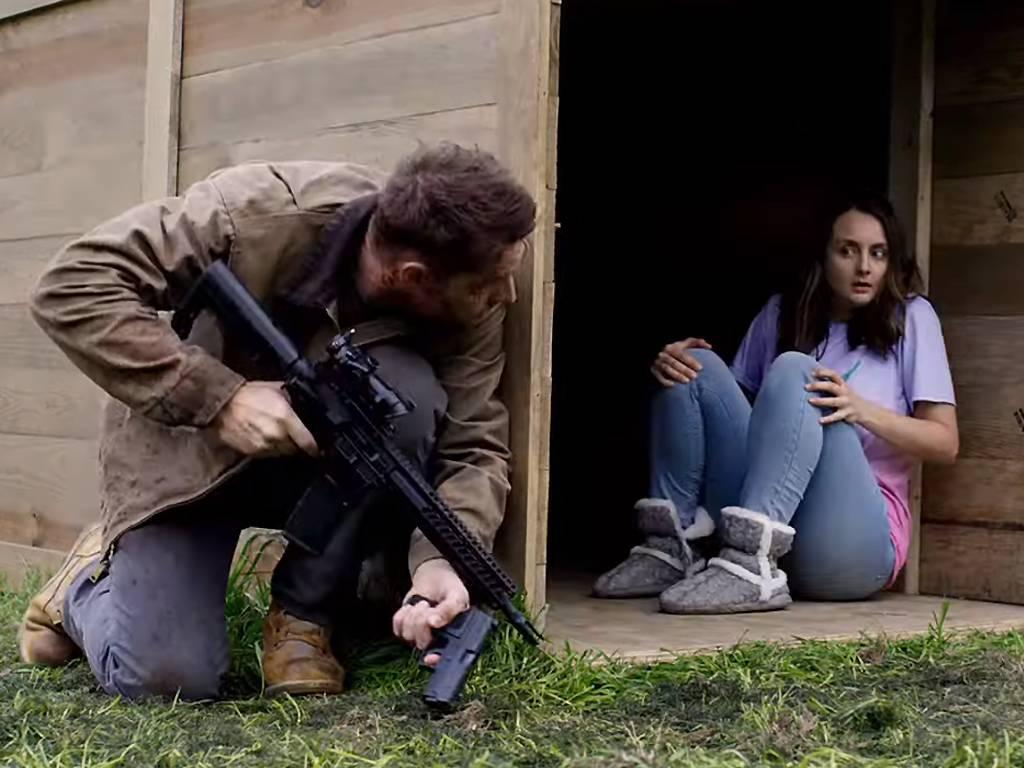 The Hunt: Eine verängstigte Frau in einer Box gefangen.