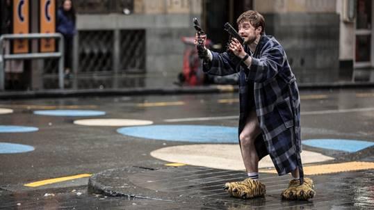 Daniel Radcliffe im Bademantel
