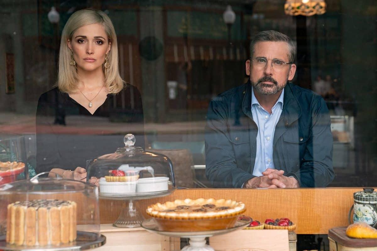 Rose Byrne als Faith Brewster and Steve Carell als Gary Zimmer in IRRESISTIBLE, in einer Konditorei.