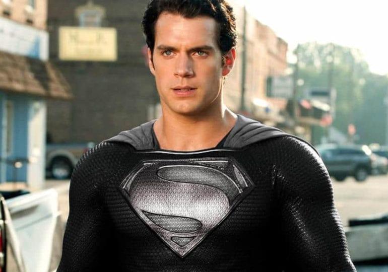 Wie Superman seinen Black Suit bekommt
