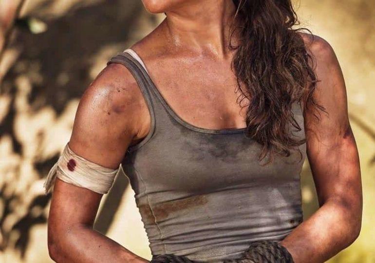 Alicia Vikander als Spider Woman im Gespräch