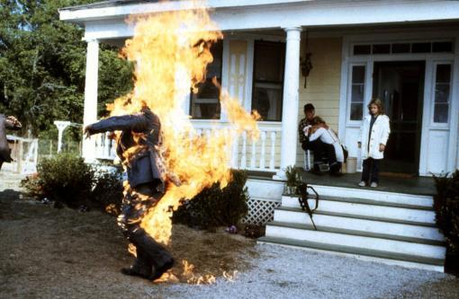 """Drew Barrymore in der Verfilmung des Stephen King Romans """"Feuerteufel"""" aus dem Jahr 1984"""