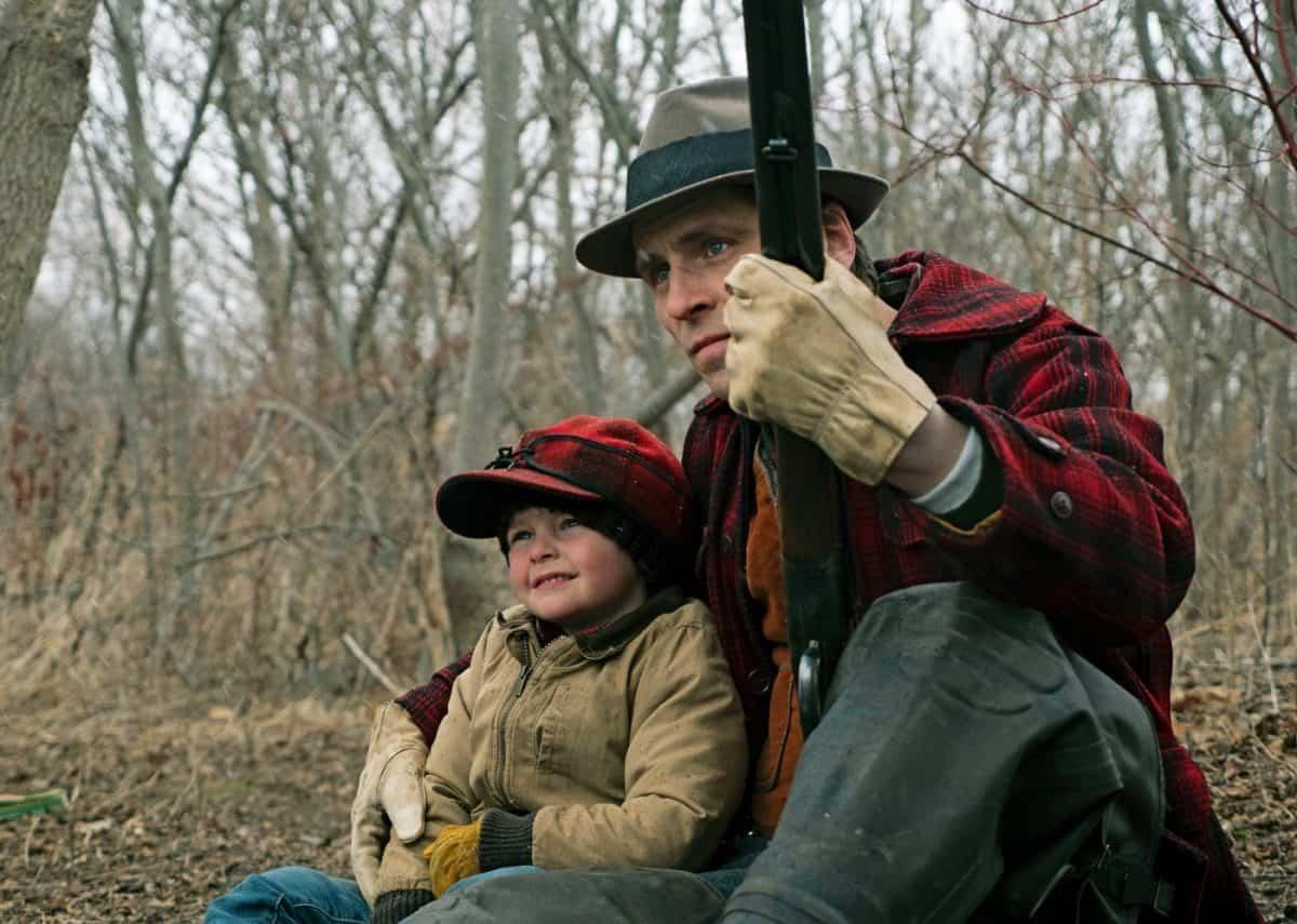 Vater und Sohn: Willis (Sverrir Guðnason) und der junge John (Grady McKenzie)