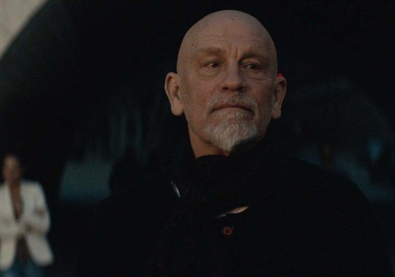The Survivalist | John Malkovich in Pandemie Film
