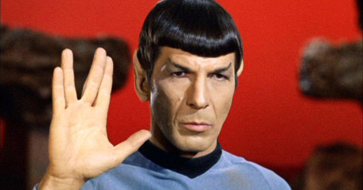 Raumschiff  Enterprise Mr.Spock mit senem berühmten Handzeichen.