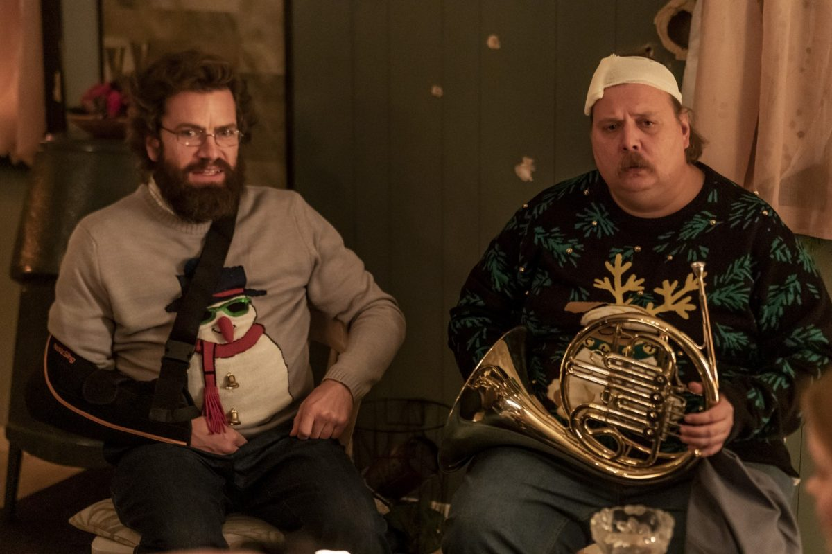 v.l.n.r - Otto (Nikolaj Lie Kaas) und Emmenthaler (Nicolas Bro) sind in Weihnachtsstimmung