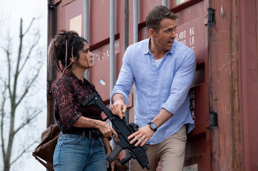 Salma Hayek und Ryan Reynolds in Killer´s Bodyguard 2