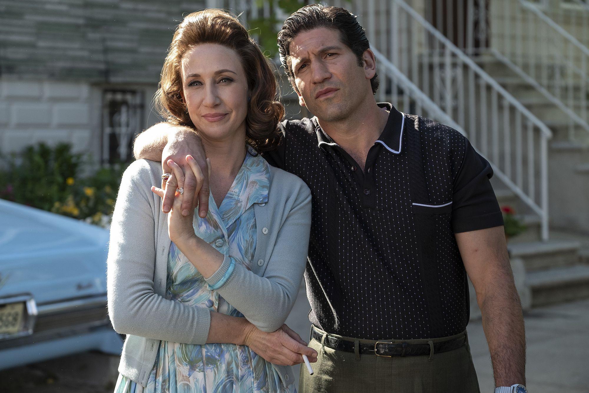(L-r) VERA FARMIGA als Livia Soprano and JON BERNTHAL als Johnny Soprano