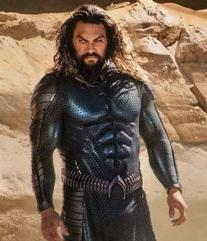 Jason Momoa zeigt neues Aquaman Outfit