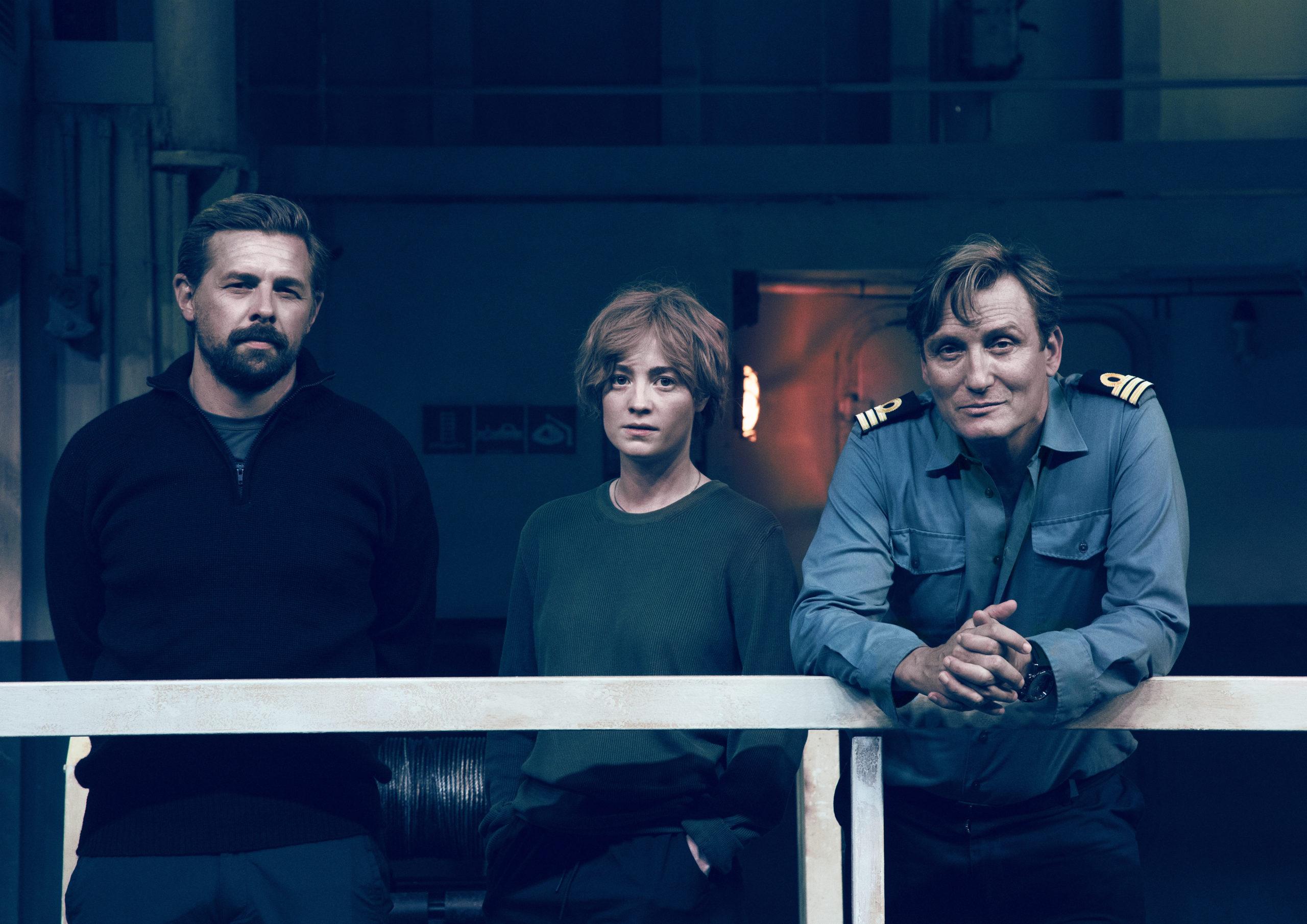 Roscovitz (Klaas Heufer-Umlauf, l.), Charlie Wagner (Leonie Benesch), Alban (Oliver Masucci, r.)