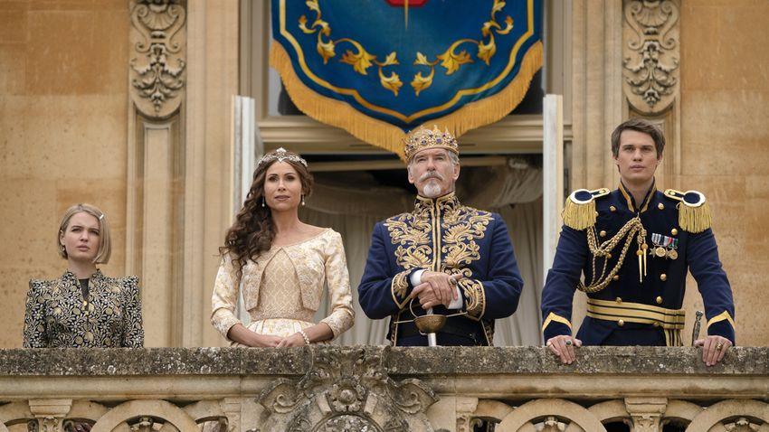 Die Königsfamilie aus Cinderella auf dem Balkon